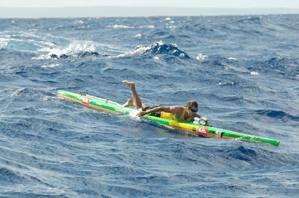 Paddling the Molokai to Oahu race